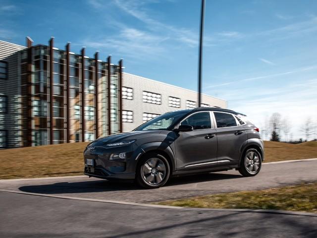 Hyundai promuove la Kona Electric in Italia a interessi zero e con rate da 299 € al mese