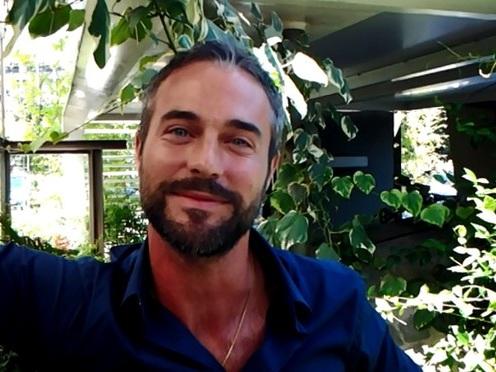 """Flavio Montrucchio a TvBlog: """"Sì, ho fatto il provino per A torto o a ragione. Tutti dicono I love you? Riprese interrotte"""" (VIDEO)"""
