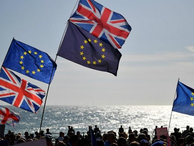 Brexit, il Parlamento approva definitivamente l'accordo: manca solo il sì della Regina