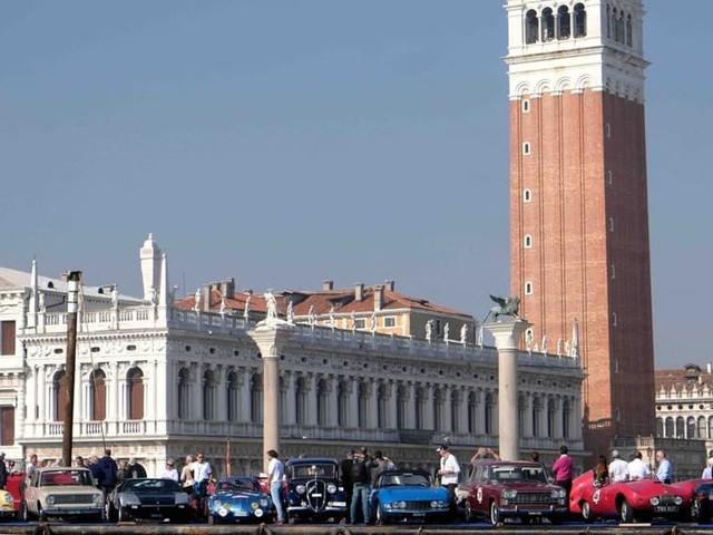 Le auto d'epoca invadono Venezia, torna anche nel 2018 Historic Car Venice