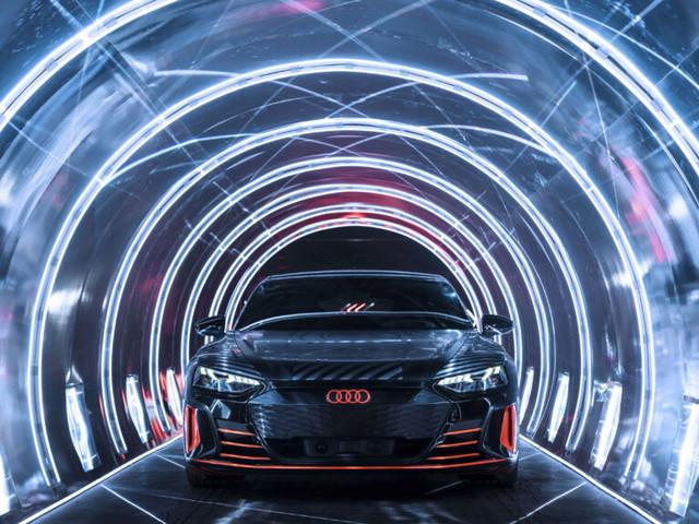 Audi e-Tron GT su strada con pneumatici Hankook per veicoli elettrici
