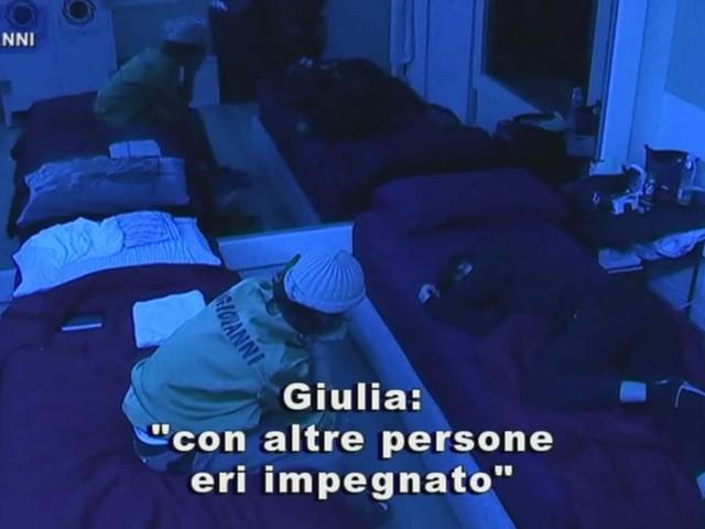 Anticipazioni Amici 20 daytime: scoppia la lite tra Giulia e Sangiovanni e lui crolla