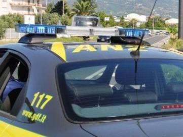 Operazione antidroga della Gdf, 19 arresti: in 8 percepivano il Reddito di cittadinanza