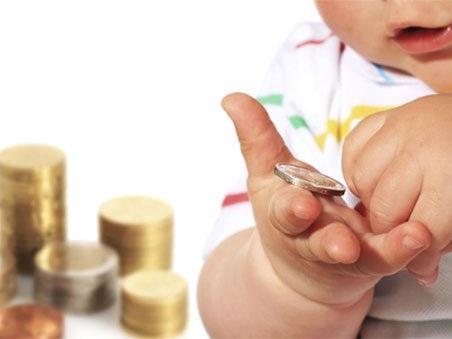 Il governo rinvia il bonus unico per i figli: le novità sulla manovra