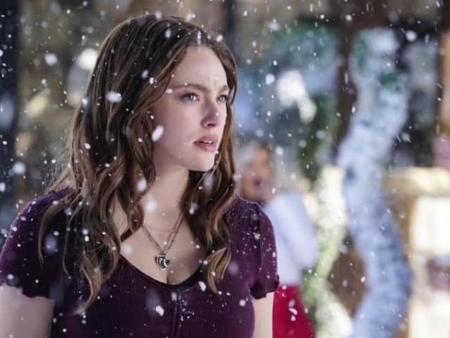 Legacies 2 si mostra nel promo del finale di metà stagione tra un Babbo Natale fuori dal comune e una serie di mostri