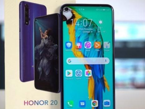 Un raggio di luce per Honor 20 e Honor 20 Pro su EMUI 10: nuovo annuncio ufficiale per la beta