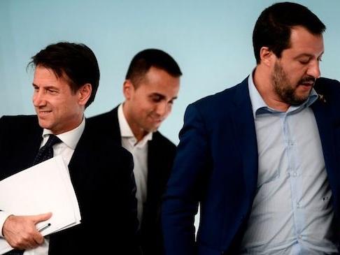 Sondaggi: M5S in calo, Lega stabile. Italiani preoccupati per la manovra