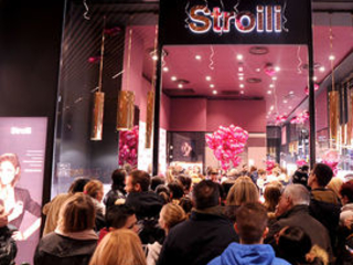 Stroili taglia il nastro di uno store nel nuovo CityLife shopping district