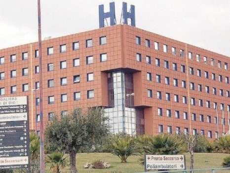 Incidente ad Agrigento, scontro tra cinque veicoli: tre feriti, traffico in tilt