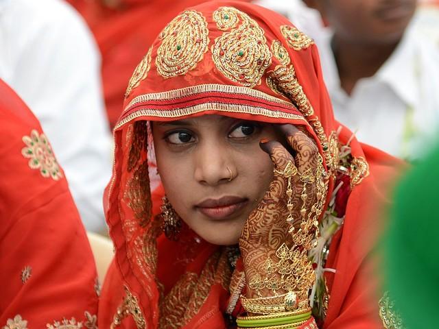 Sposa bambina chiede l'annullamento del matrimonio usando Facebook come prova