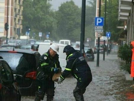 Ondate di caldo e alluvioni. Roma, Napoli e Milano tra le città a rischio