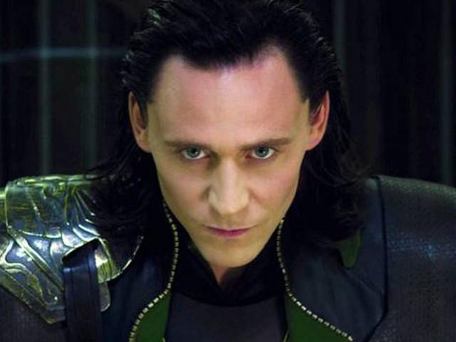 Tom Hiddleston pubblica la clip di un nuovo misterioso progetto. Loki sta per tornare?