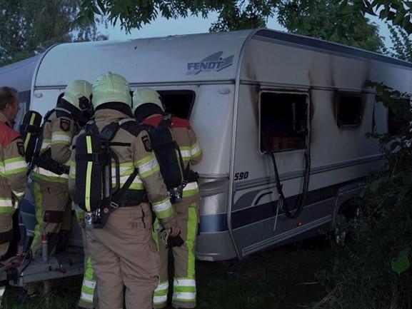 Caravan het haasje bij brand op camping in Fortmond