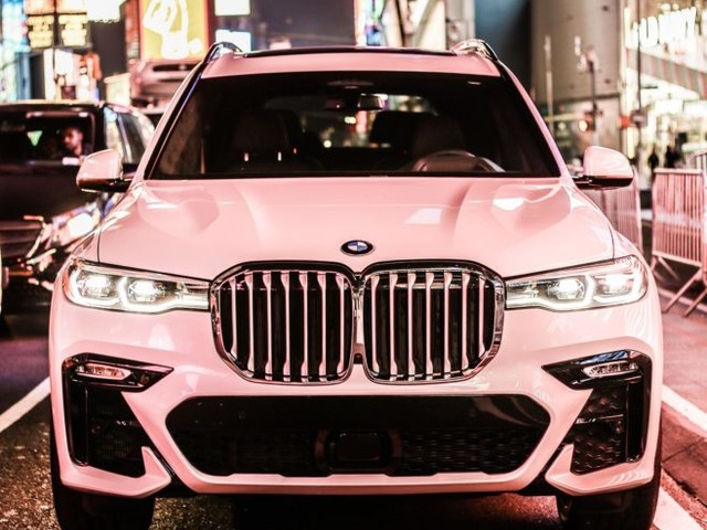 Photoshoot with the BMW X7 in New York City