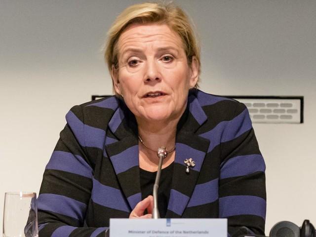 Minister Bijleveld: 'Nederland in cyberoorlog met Rusland'