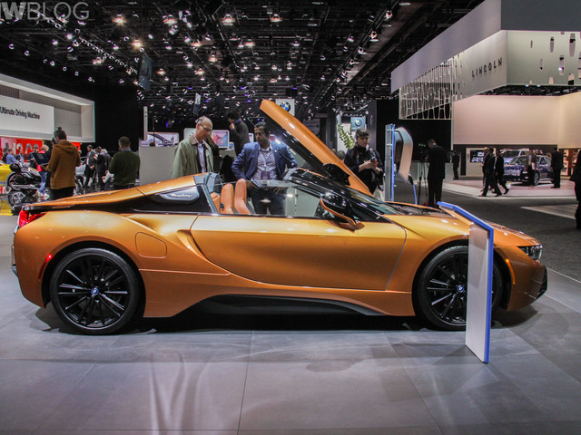 2018 Detroit Auto Show: BMW i8 Roadster teased again before market launch