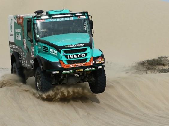 Ton van Genugten verliest veel tijd en lijkt derde plek in Dakar Rally te kunnen vergeten