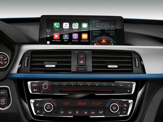 BMW adds Apple CarPlay for free