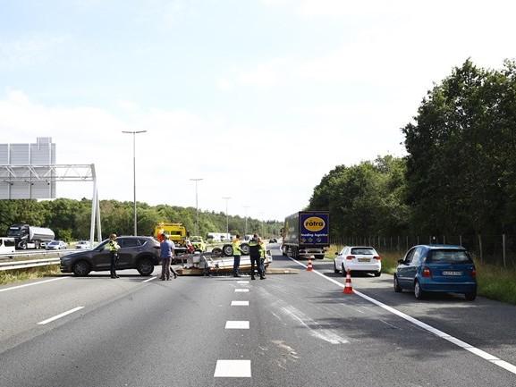 A50 tussen Zwolle en Apeldoorn weer vrij na ongeluk