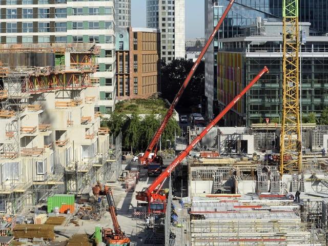 Woningcorporaties bouwen meer, commerciële bouwers juist minder
