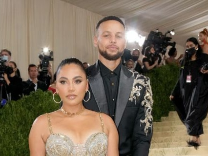 So Sweet: Steph & Ayesha Curry Renew Their Vows After 10 Years In Intimate Ceremony, 9-Year-Old Daughter Riley Officiates