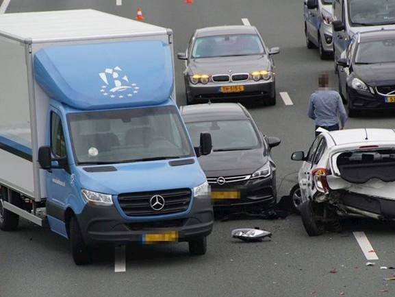 Flinke vertraging op A28 bij Zwolle na aanrijding, weg weer vrij