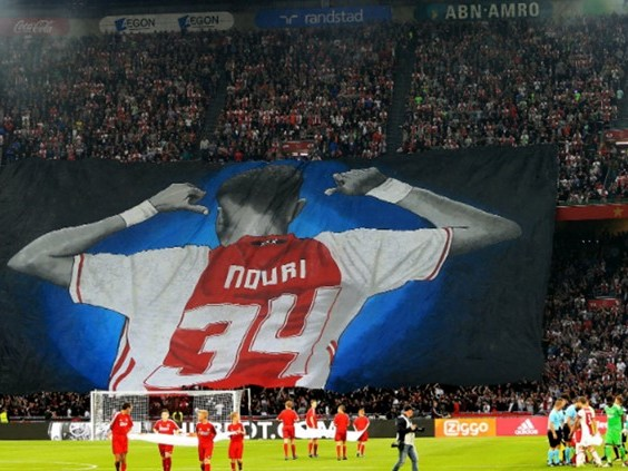 Ajacied Abdelhak Nouri geëerd door Willem II-nieuweling