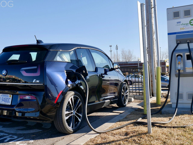 VIDEO: How to search for public charging stations in your BMW