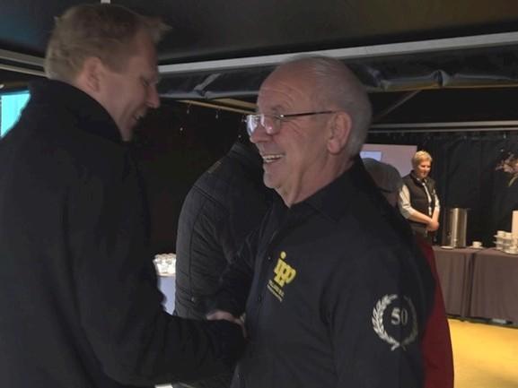 Markant ondernemer Henk Aufderhaar uit Vroomshoop viert 50-jarig jubileum