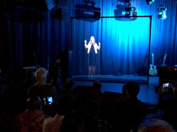 'Super tof', SP-leider Lilian Marijnissen live als hologram te zien in vier steden