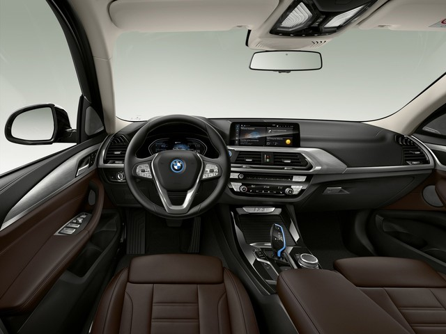 BMW iX3 – First Photos Show A Revised Interior Design