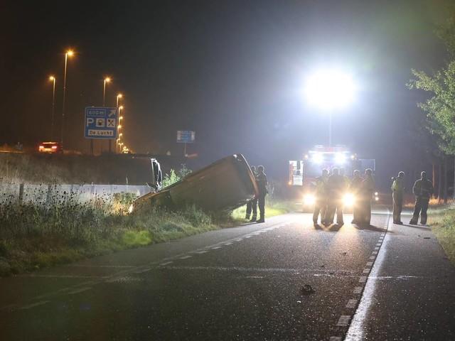 Persoon zwaargewond bij ongeluk in Vinkel, mogelijk geschept door auto