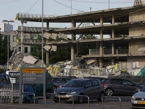 'Bouw van ingestorte parkeergarage Eindhoven Airport had maanden eerder stilgelegd moeten worden'