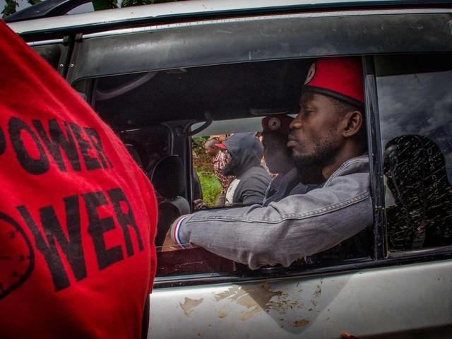 Oegandese media gemuilkorfd na arrestatie popster Bobi Wine