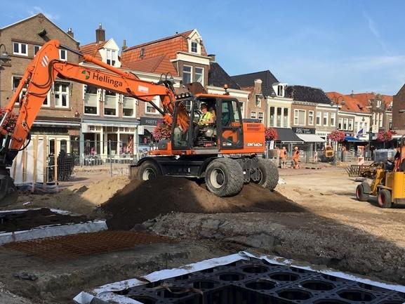 """Herinrichting Markt in Steenwijk is fors duurder, """"bodemloze put"""" vinden raadsleden"""