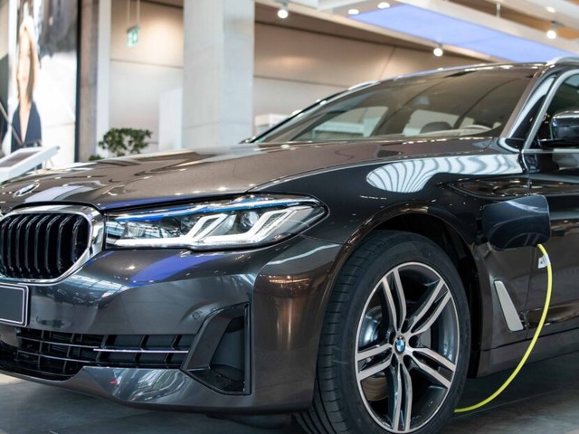 2021 BMW 5 Series Facelift: First Real Life Photos From BMW Welt