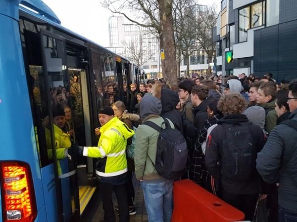 SP Zwolle: 'arbeidsomstandigheden buschauffeurs onder de maat'