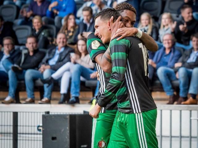 Feyenoord met de schrik vrij in Almelo