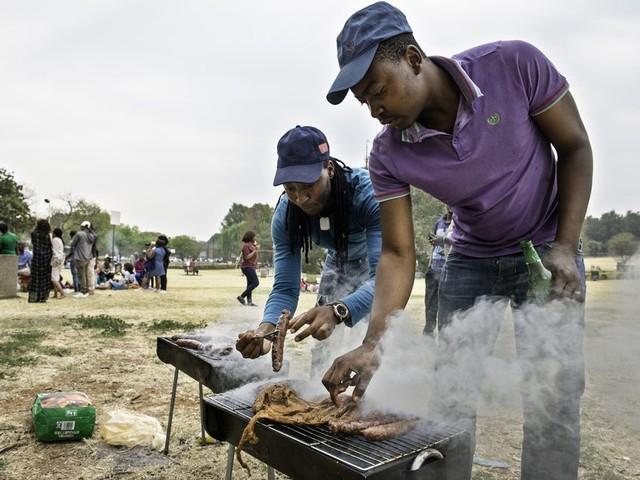 De liefde voor de braai verenigt Zuid-Afrika