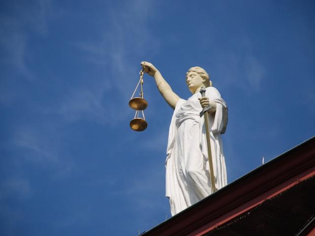 Europese Commissie zet controlesysteem rechtsstaat op
