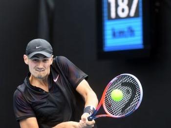 Tomic mist Australian Open: 'Ik ga mijn miljoenen tellen'