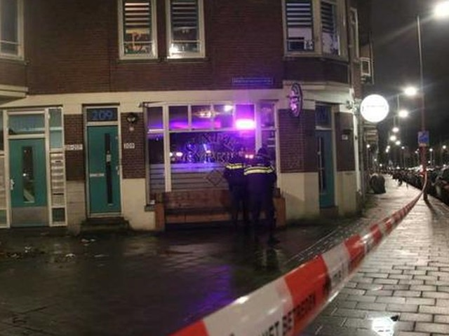 Man gewond na schietpartij in café Rotterdam