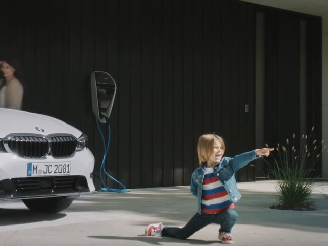 Video: BMW Has a Funny Way of Promoting its PHEV models