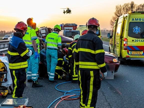 Drie gewonden bij ongeluk op A59 bij Waspik