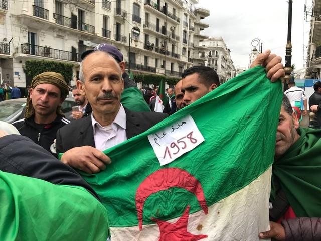 Waarom Algerijnen massaal de straat op blijven gaan: 'De Macht is als een kameleon'