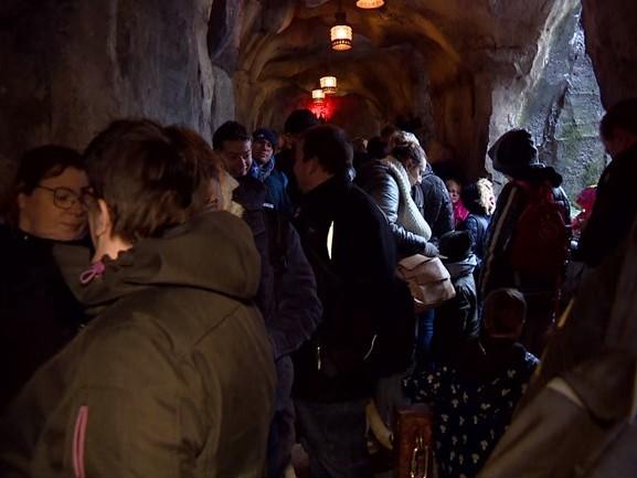 Efteling-attractie Fabula open voor publiek, kijk hier de beelden terug