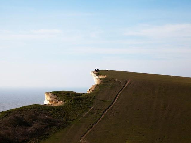 Waarom kiezen de Britten voor de sprong van een klif? Omdat het een sublieme keuze is