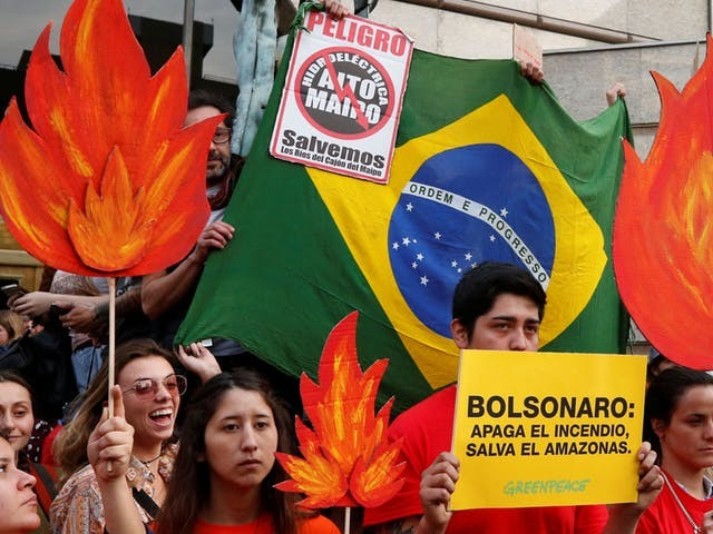 Bolsonaro stuurt na groeiende druk leger naar bosbranden