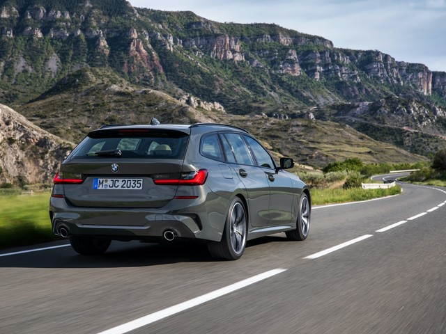 WORLD PREMIERE: The new BMW 330e Touring Plug-in hybrid with 63 km EV range
