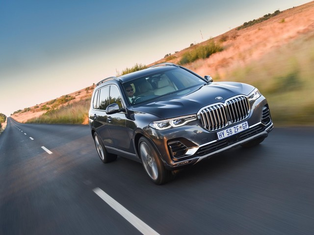 VIDEO REVIEW: BMW X7 xDrive50i — Better Than a 7 Series